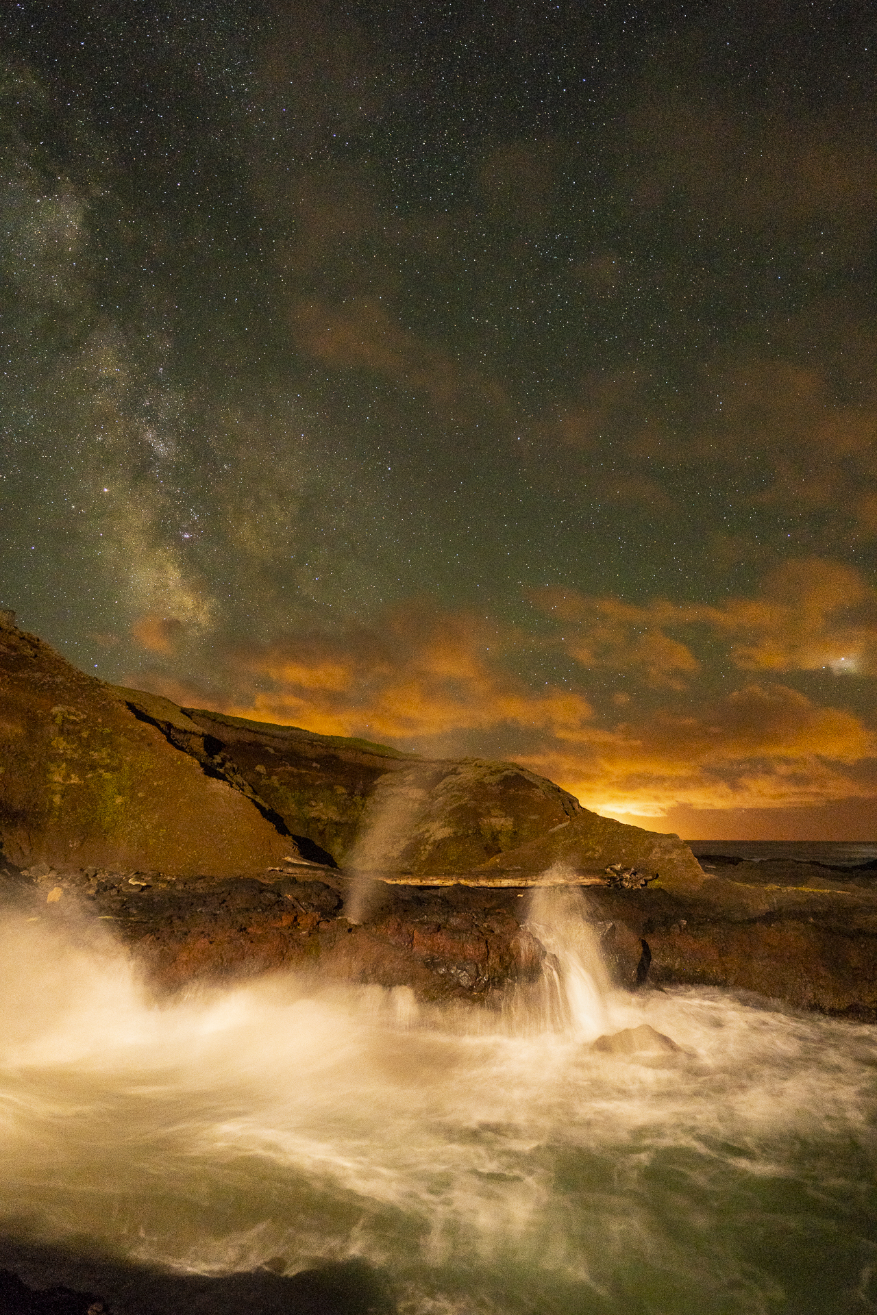 The Spouting Horn and Milky Way, Cooks Chasm, Cape Perpetua, Oregon. Astro-Landscape Photography Notes October 2018